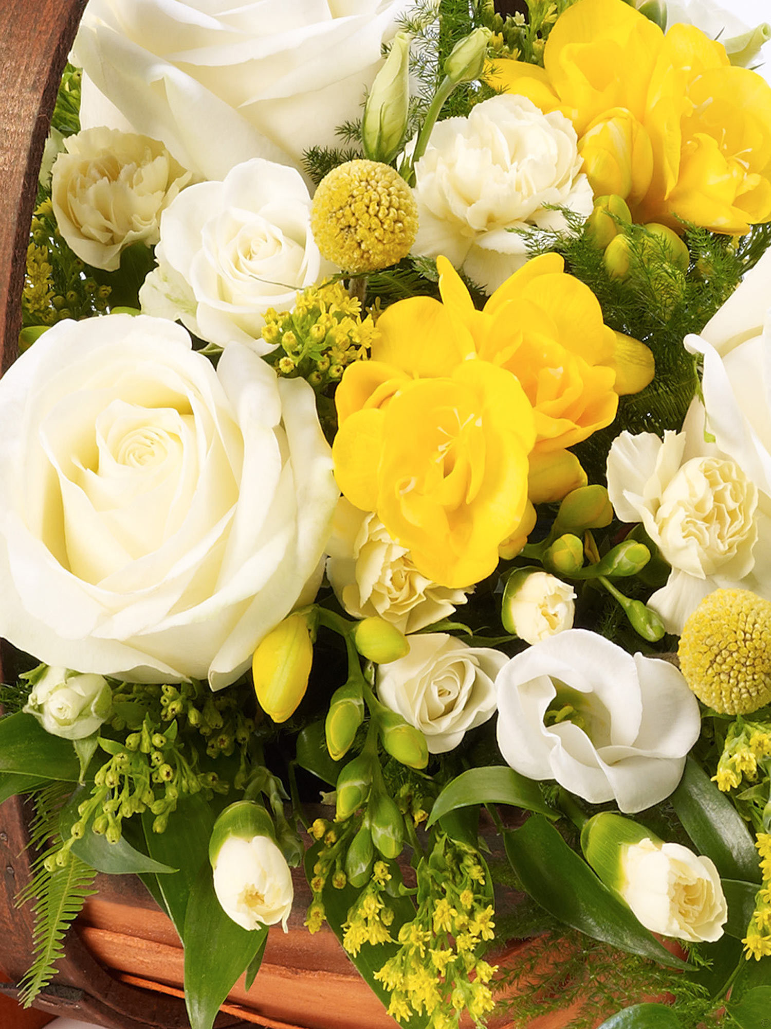 mixed basket yellow and white from flowersie